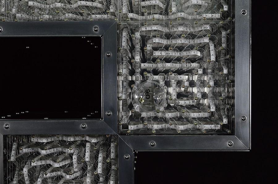 占研 字谜·穴 2017 铝合金型材、铝合金板材、亚克力板材等 96×115×20cm (5) 拷贝
